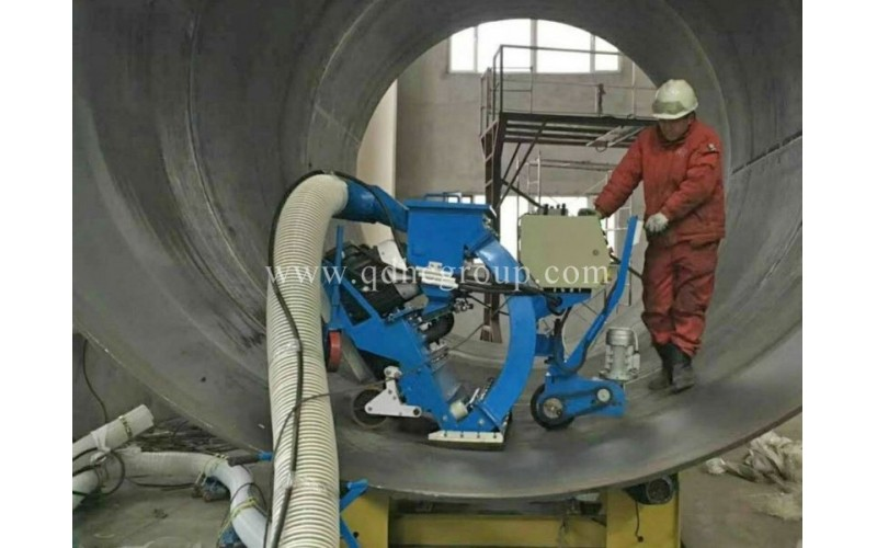 Steel pipe inner wall cleaning