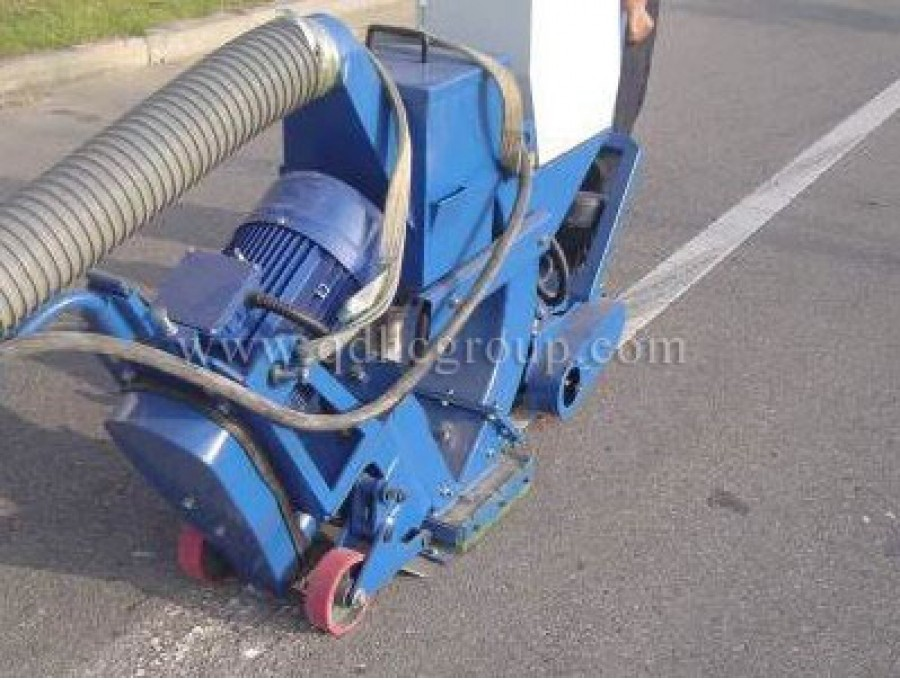 Marking line cleaning mobile road shot blasting machine